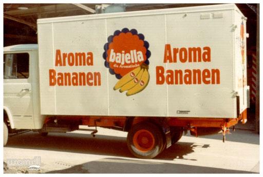 Fahrzeugeinlackierung eines Koffer-Aufbaus für Aroma Bananen aus dem Hause Bajella.