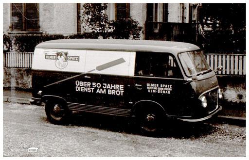 """Fahrzeugbeschriftung """"Ulmer Spatz""""."""
