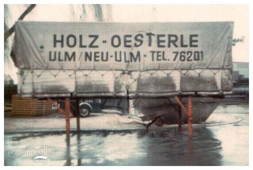 Wechselbrückenbeschriftung auf Plane für Holz Oesterle.