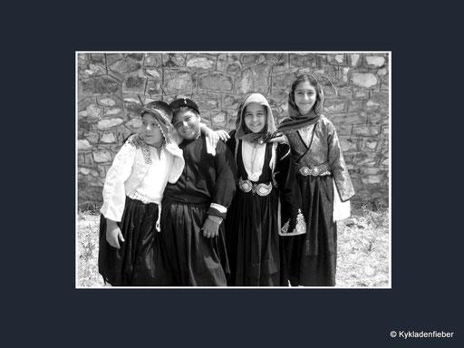 Trachtengruppe aus Skyros