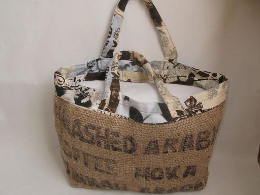 Sac cabas créé dans un sac à café