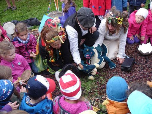 Puppenspiel mit Funkelfix zum Drachenfest dresden 2015