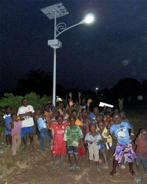 Lampadaire solaire, Messok