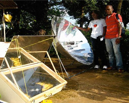 Solarkocher und Parabolspiegelkocher. Holzfreies Kochen