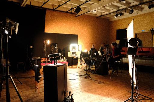 Photos style Harcourt - photographe : Marie Pétry - Maquillages : Sandrine Legrand - Lumières : Nanou ( commande de la CCVAL)