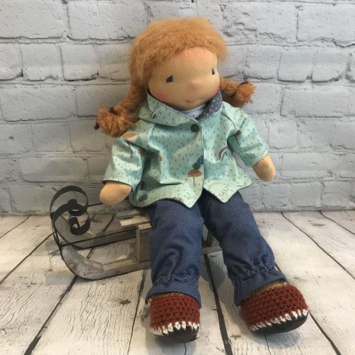 Kinderpuppe aus Stoff mit Puppenjakcke