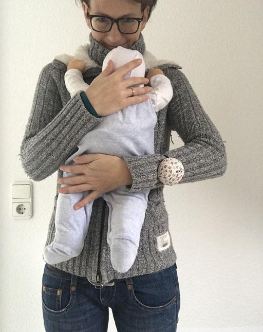 die grossen Puppenbabies sind 52 cm gross - da passt meist die Babykleidung Gr 52