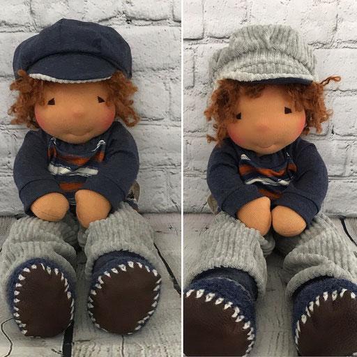 Jungs Puppe mit Cordhose und frecher Schirmkappe