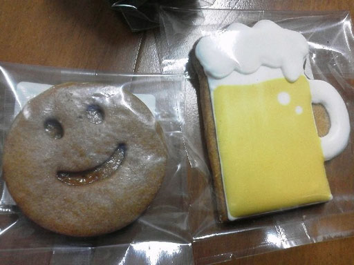 スマイルクッキーとビールのアイシングクッキー発見