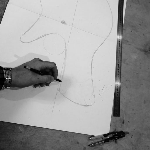 industrial design - modern bassguitars from germany - drawing instruments by hand