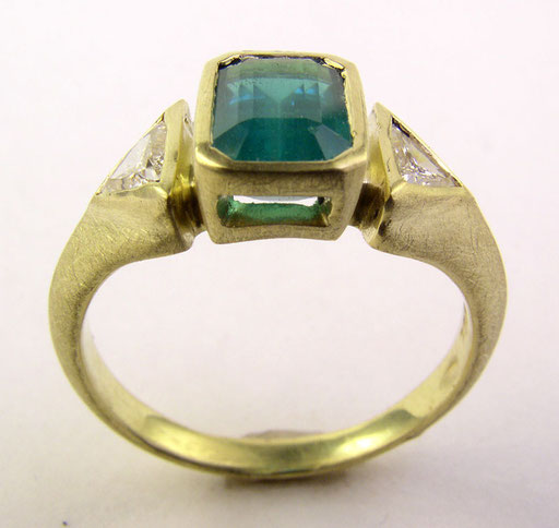 Emerald, diamonds, 18KY