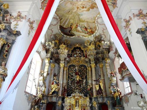 Altarraum mit Hochaltar