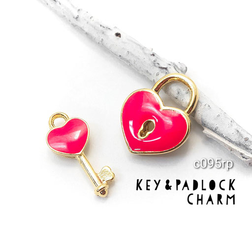 1ペア k16gp高品質 ハートの南京錠と鍵モチーフチャーム ☆ローズピンク【c095rp】
