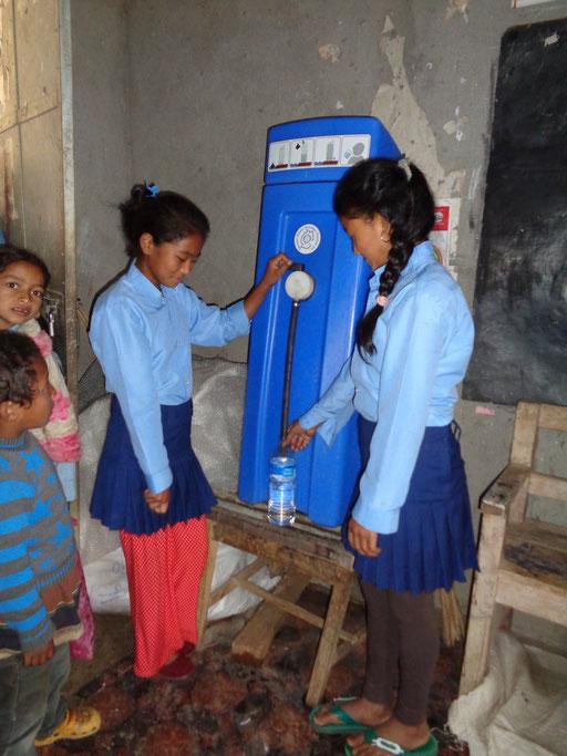 Sauberes Trinkwasser durch das WASH-Projekt