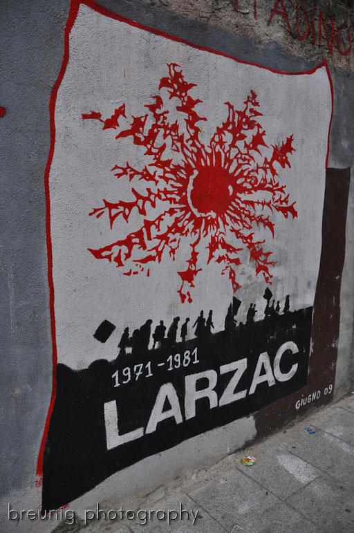 orgosolo's famous (political) graffitis VIII