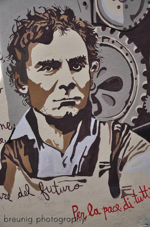 orgosolo's famous (political) graffitis XIV