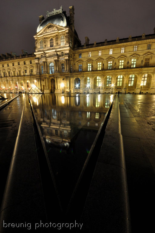blue hour at louvre VI