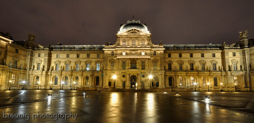 blue hour at louvre VII