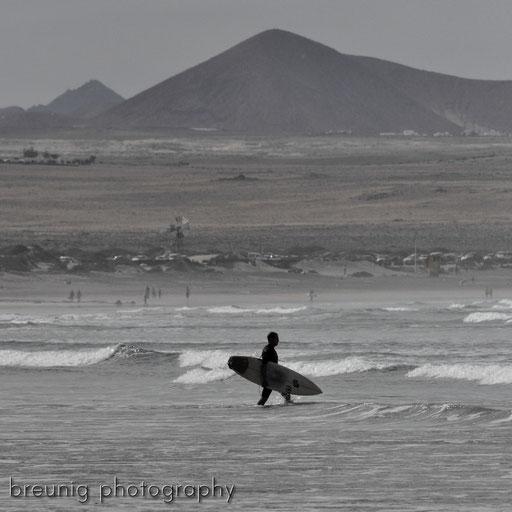 famara coast III: surfer's paradise