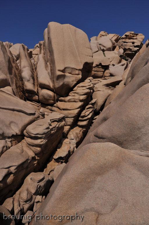 capo testo V - indescribable geology