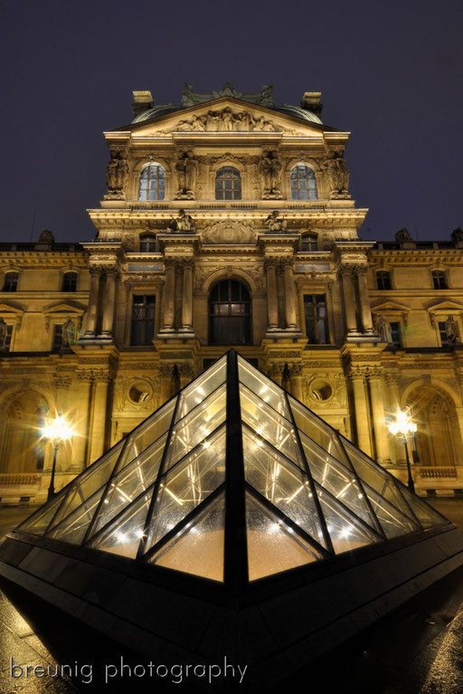 blue hour at louvre V