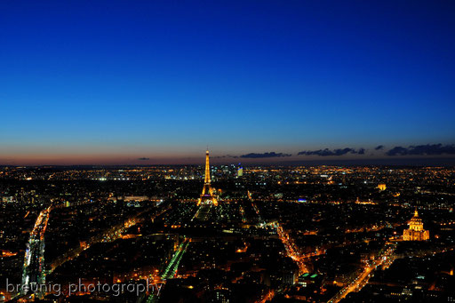 on top of tour montparnasse IX - blue hour