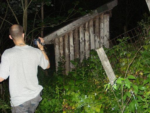 Ian avec sa caméra de nuit.
