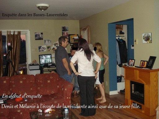 Les enquêteurs d'Éternité Paranormal, donnent des conseils à la famille, qui vit des manifestations insolites dans leur résidence.