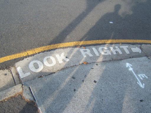 nicht vergessen - linksverkehr!