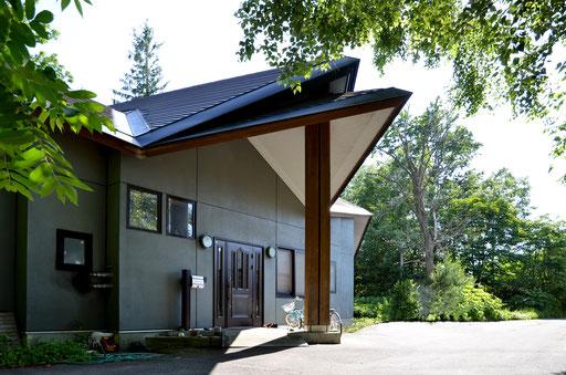 【注文住宅】 特殊な屋根形状の住宅
