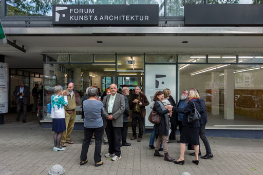 Vernissage, Eingang am Kopstadtplatz