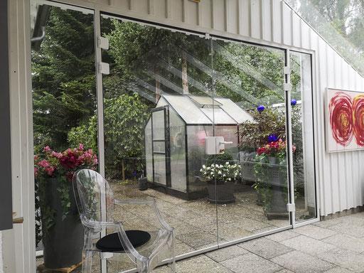 Glastüren in einer Aluminiumzarge - © Glaserei Allgäuer