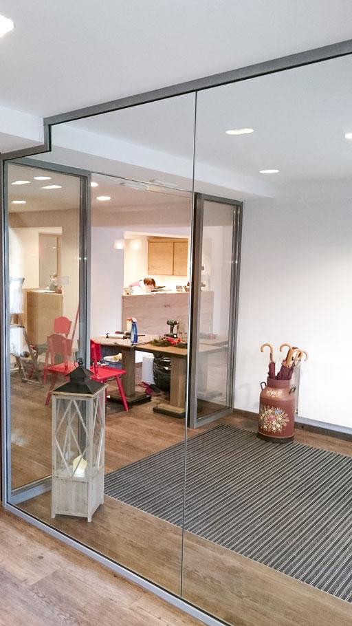 Glasabtrennung - Automatische Schiebetüre - Eingangsbereich - © Glaserei Allgäuer
