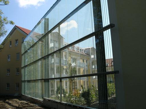 Schallschutzwand aus Glas - Glasabtrennung - © Glaserei Allgäuer