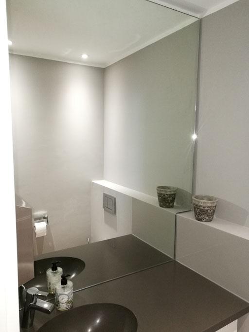 Spiegel mit Ausschnitt für Vormauerung - © Glaserei Allgäuer