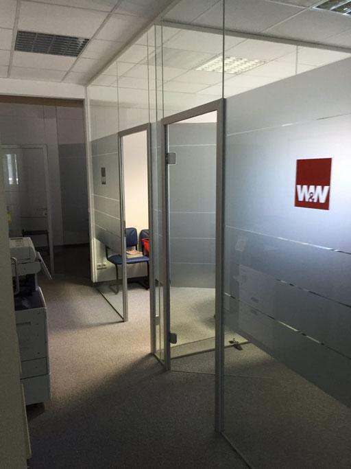 Büroabtrennung aus Glas - Glasabtrennung - Glastüre - © Glaserei Allgäuer