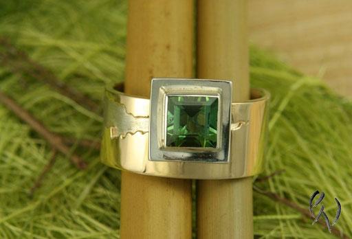 Ring Silber mit Gold und grünem Turmalin