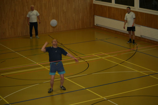 Anschlag üben beim Faustball
