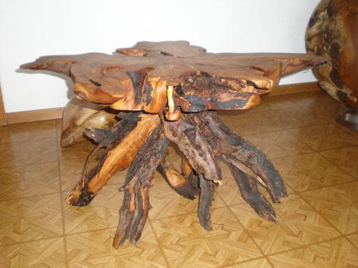 Massivholz Salontisch aus Apfelbaum Wurzel