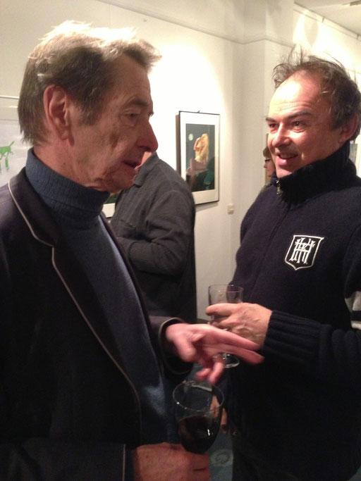 """Der Dirigent Helmut Imig und Rudi Hurzlmeier im Gespräch anlässlich der Eröffnung der Ausstellung """"Rudi Hurzlmeier - Jedem Tierchen sein Pläsierchen"""" 2012 in der Galerie KK"""