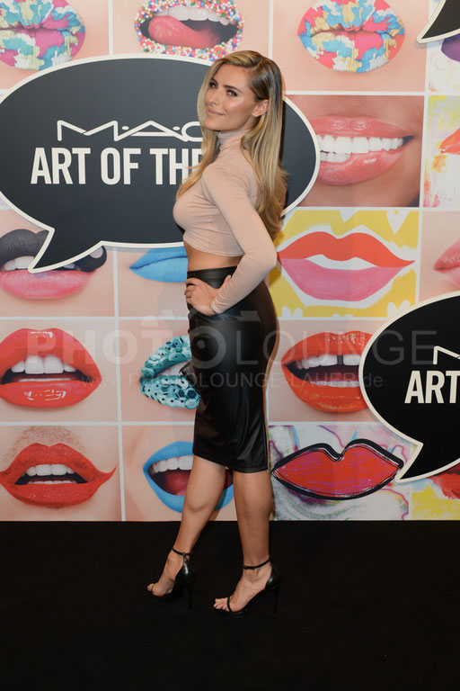 """Sofia Thomalla /  """"Art Of The Lip"""" / © Fotograf Karsten Lauer"""