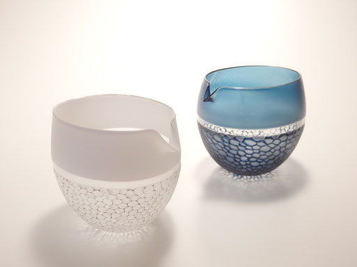 silvery glass line decoration spouted bowl