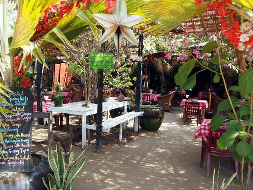 Stammrestaurant für die Mittagspause - Full Moon in Altbagan