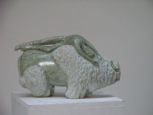 """""""Dornprinzchenschlaf"""" 2004, Serpentingestein"""