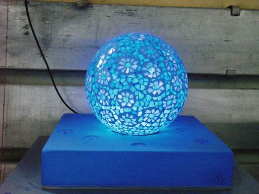 Bodenleuchte Blauer Traum 2005, Glasmosaik