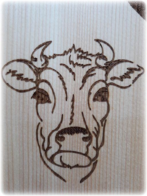 Lasergravur Kuh Fichtenholzplatte