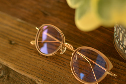 フレーム:AKITTO pin10 税抜42,000円 レンズ:Ito Lens 1.60薄型非球面レンズ WAVE PLUS IR-SKY2 コート 税抜19,000円 仕上がり価格 税抜61,000円