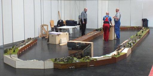 Aufbau der Module am Boden liegend....