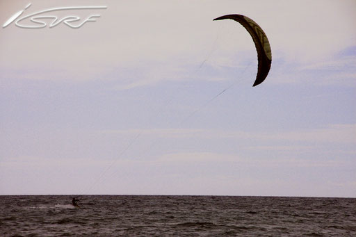 Big Island Hawaii Kitesurfing- Isurf NL - (Photographer: Raymond Deckers)