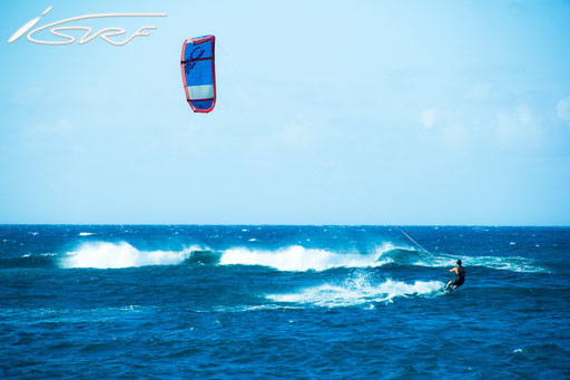 Ho'okipa Beach Maui Hawaii Kitesurfing - Isurf NL - (Photographer: Laurent Deckers)